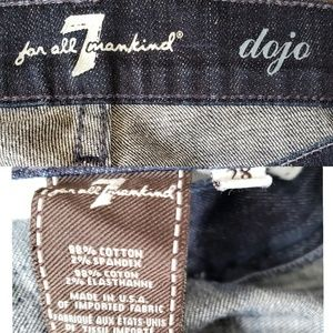 7 For All Mankind Jeans - 7FAM Dojo Flare Leg Jeans SZ 28